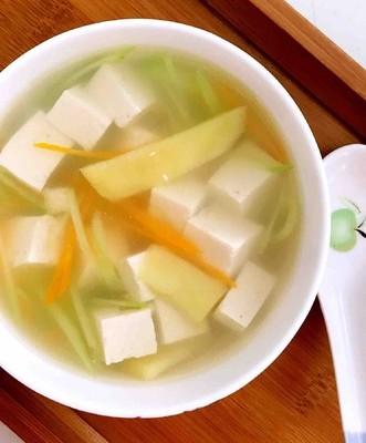 无油胡萝卜瓜丝豆腐汤