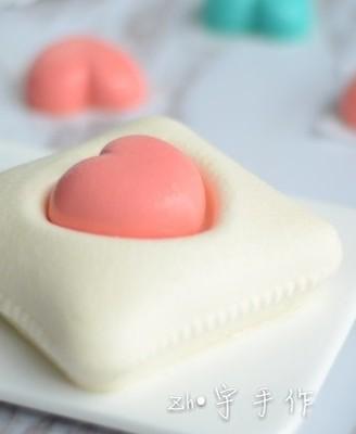愛心抱枕慕斯蛋糕