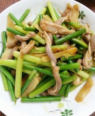 蒜苔炒猪肚