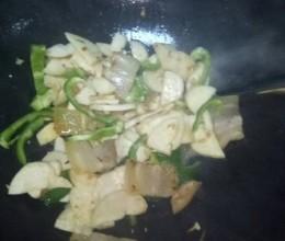 杏鲍菇炒菜椒咸肉