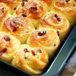 酥粒蔓越莓奶酪卷