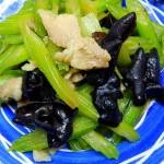 芹菜炒猪肉