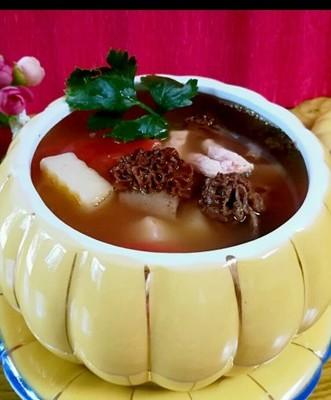 羊肚菌肉片汤