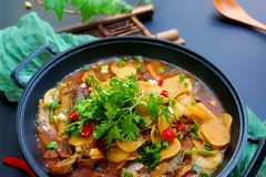 霸王超市丨杂鱼炖小豆饼
