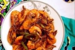超简单做法的青椒炒虾