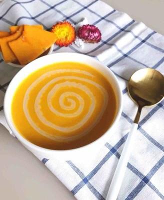 咸蛋黄奶香南瓜浓汤