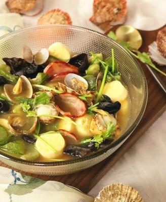 丝瓜海鲜豆腐煲