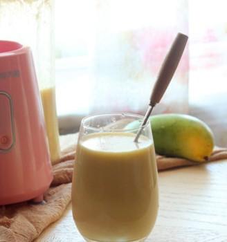换个方法喝牛奶——芒果奶昔
