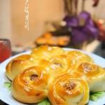 樱桃果酱馅花式面包