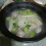 金针菇丸子汤