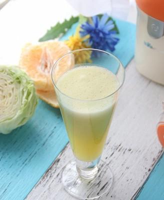 菠萝橙青瓜果蔬汁