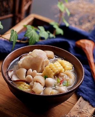 玉米豬蹄湯