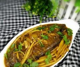 平鱼炖海鲜菇