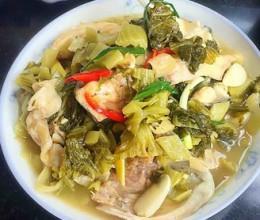 酸菜煮鲩鱼