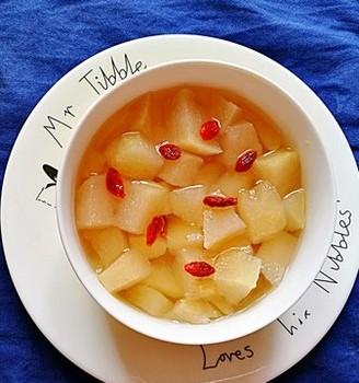 电炖锅版炖养生梨块