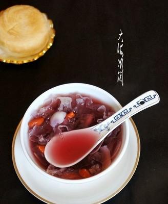 紫薯百合银耳甜汤