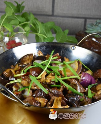 锅仔香菇烩腊猪肚