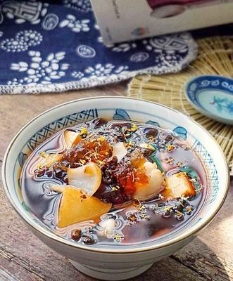 桃胶黑枸杞水果茶