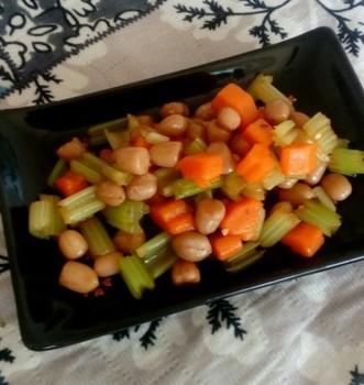 拌花生芹菜
