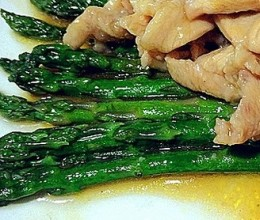 芦笋烩鸡片