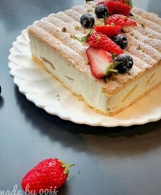 杏仁香缇奶油蛋糕