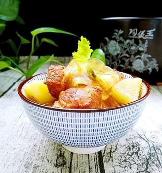 土豆粉条炖红烧肉