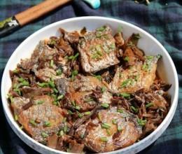 梅干菜烧带鱼