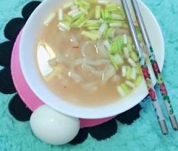 热汤手擀面