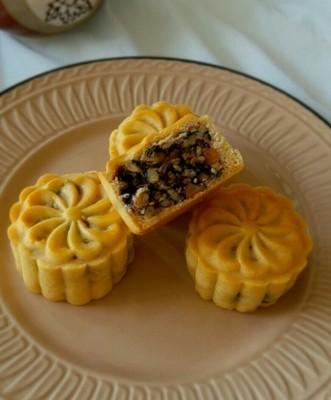 50克广式伍仁月饼