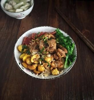 板栗鸡肉焖饭