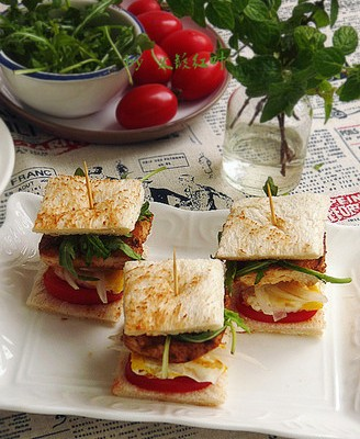 黑椒鸡肉三明治