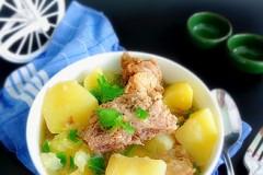 脊骨炖土豆
