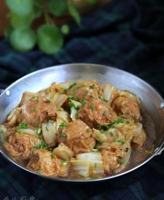 白菜烩油面筋塞肉
