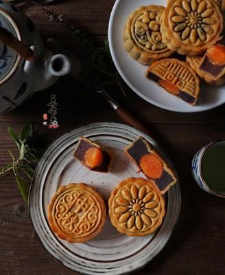 广式红糖枣泥豆沙月饼