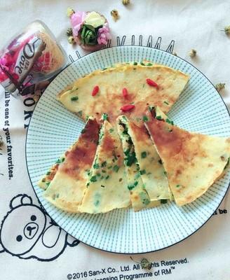 奶香韭菜虾皮鸡蛋饼