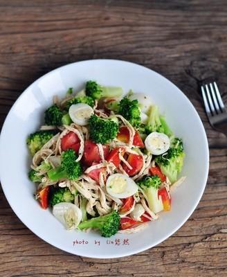 鸡丝拌蔬菜