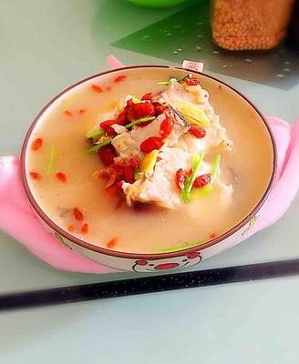 枸杞红枣鱼骨汤