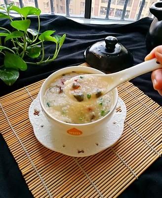 砂锅版皮蛋瘦肉粥
