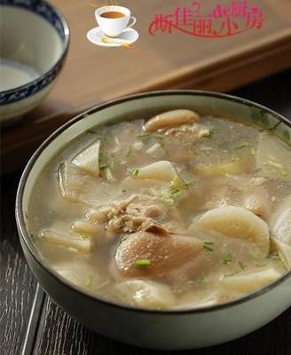 白萝卜蹄花汤