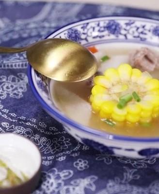 旅途归来为自己炖上一碗浓汤,享受上班第
