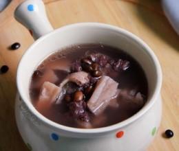 黑豆莲藕猪骨汤