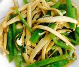 青椒炒海鲜菇