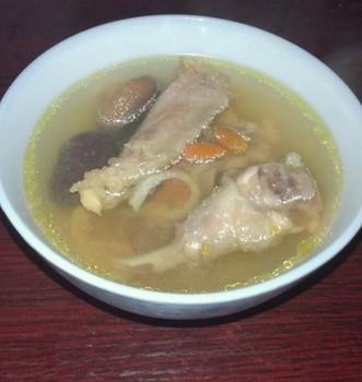 鱼胶老母鸡汤