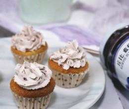 果酱奶油蜂蜜小蛋糕