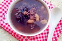 黑米花生红枣粥