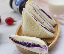 蓝莓奶酪口袋吐司