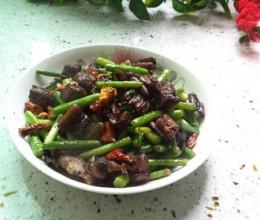 蒜苔黄鳝片