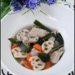 秋季润燥的滋补汤水——莲藕海带排骨汤