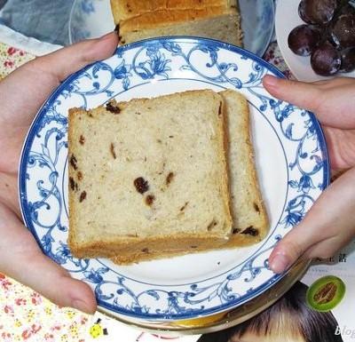 美好的一天从早餐开始----小麦胚芽面包
