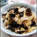 适合节日吃的一道润燥清肠宴客菜——木耳冬笋肉片